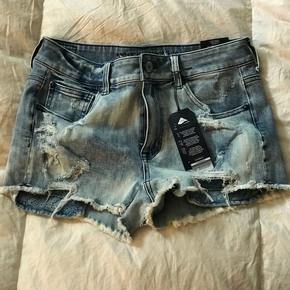 29ff9d048168 American Eagle Destroyed Hi Rise Shorties NWT